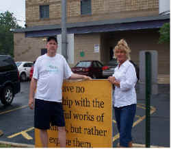 Daniel & Angela Michael outside Hope abortion mill.JPG (67388 bytes)